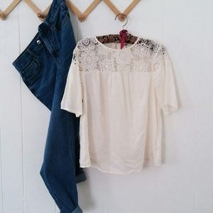 Old Navy Cream Lace Top